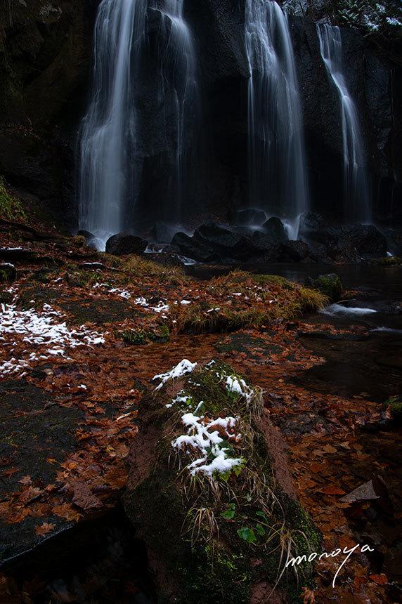 初冬の滝_c0085877_06244835.jpg