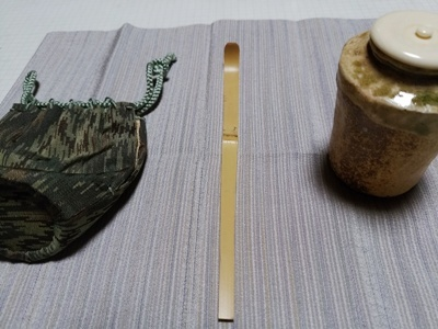 茶杓を削る_a0236300_23204044.jpg