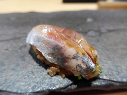 渋谷「熟成鮨 万」へ行く。_f0232060_23142611.jpg