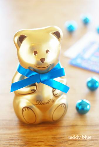 Lindt Christmas teddy リンツのクリスマス テディ_e0253364_22273537.jpg