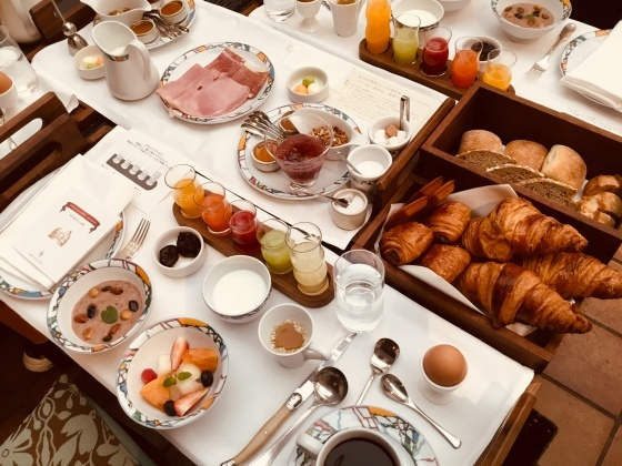 朝ごはんを食べに。_f0238106_15452357.jpeg