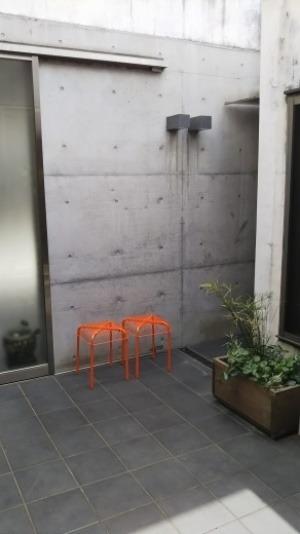 お庭にスツール!_b0282408_15102293.jpg