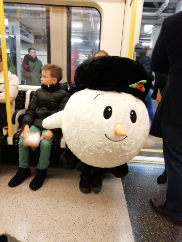地下鉄にて…_d0127182_15203874.jpeg