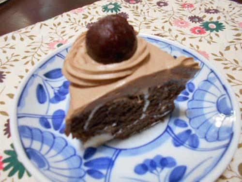 市販ロールケーキで簡単チョコバナナケーキ_f0019498_13381044.jpg