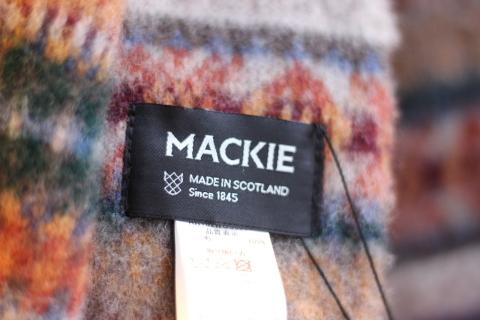 """スコットランドの伝統技法で作られた「ROBERT MACKIE」\""""BRUSHED FAIRISLE SCARF\"""" ご紹介_f0191324_08191692.jpg"""
