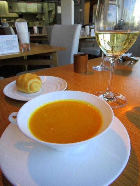 Restaurant SOCCA * 「閉店のお知らせ」から一転「継続決定!!」_f0236260_18413788.jpg
