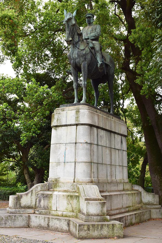 江戸城を歩く。 その9 「九段坂公園~靖国神社」_e0158128_16574438.jpg