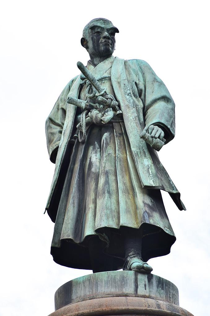 江戸城を歩く。 その9 「九段坂公園~靖国神社」_e0158128_17055549.jpg