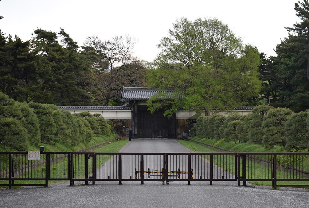 江戸城を歩く。 その10 「半蔵濠~半蔵門~桜田濠」_e0158128_18303269.jpg