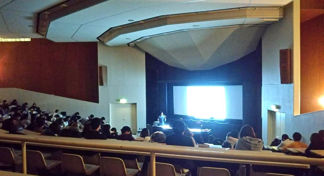 大阪学院大学でカラーの講義をしました。_d0116430_23443919.jpg