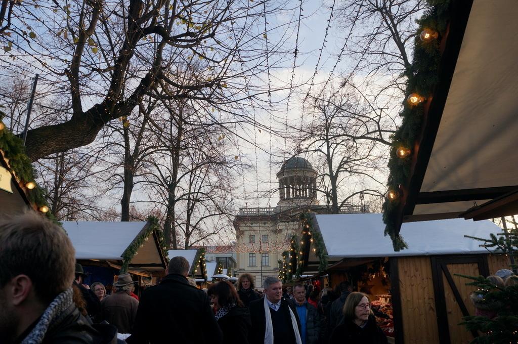 今年初めてのクリスマスマークト_c0180686_17415962.jpg