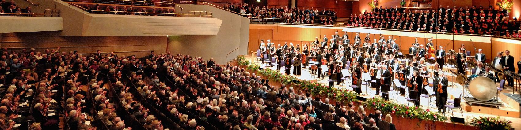 世界のオーケストラ/第35回 <ハレ管弦楽団> イギリス最古のオーケストラ_d0170835_20265565.jpg