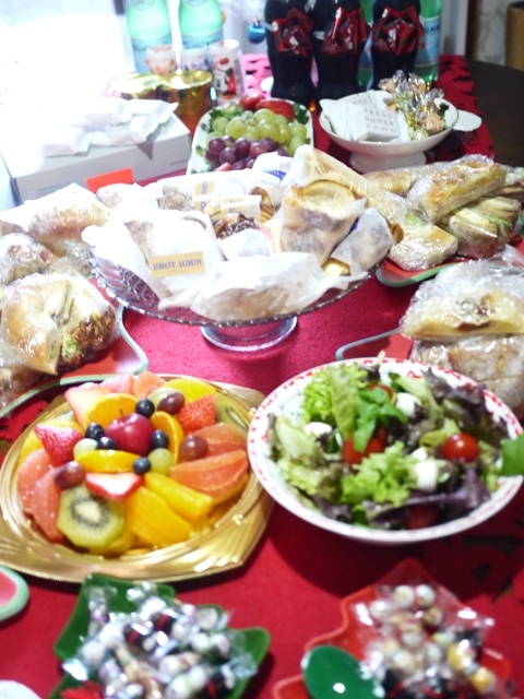 2018年12月2日ゆきねこクリスマスニャーティー開催ゆきねこ雑貨店開店時間のお知らせ。_a0143140_23440424.jpg