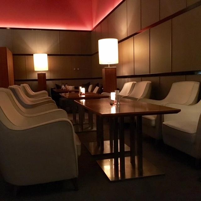Hotel Lounge @博多  夜はラグジュアリー空間で乾杯♪_a0165160_14190680.jpg