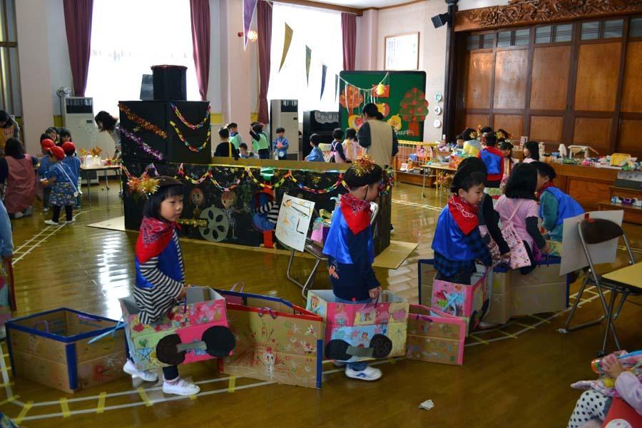 今日は第一幼稚園の「ごっこ遊び」でした_d0353789_15000986.jpg