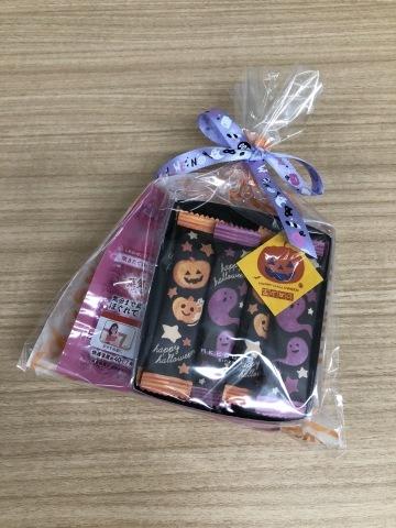 ご参加くださった皆さま どうもありがとうございました「しあわせのリボン刺しゅう」出版記念1Dayレッスン 《しあわせを招くドアプレート》@ヴォーグ学園東京校_a0157409_10570616.jpeg