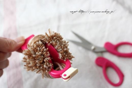 毛糸消費目的で量産したポンポンで手作りのクリスマスツリーに♪(作り方紹介中)_f0023333_22585092.jpg