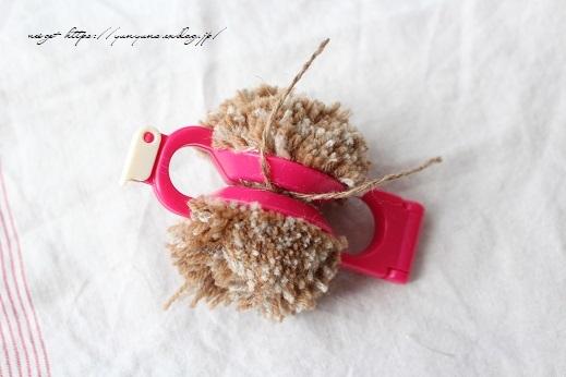 毛糸消費目的で量産したポンポンで手作りのクリスマスツリーに♪(作り方紹介中)_f0023333_22585338.jpg