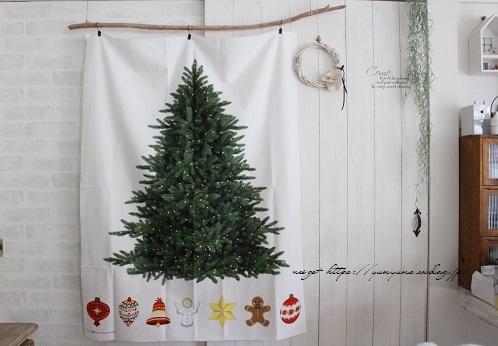 毛糸消費目的で量産したポンポンで手作りのクリスマスツリーに♪(作り方紹介中)_f0023333_23001271.jpg
