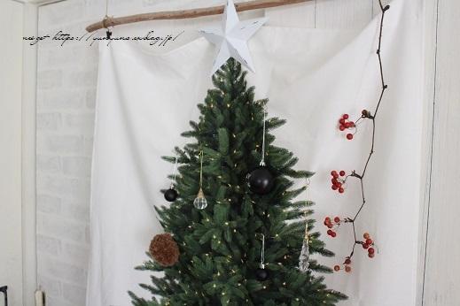 毛糸消費目的で量産したポンポンで手作りのクリスマスツリーに♪(作り方紹介中)_f0023333_23324189.jpg