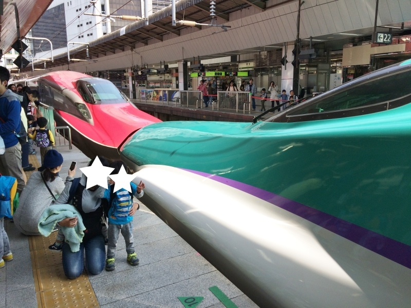 内装がポップな北海道新幹線♪_d0367998_13565039.jpg