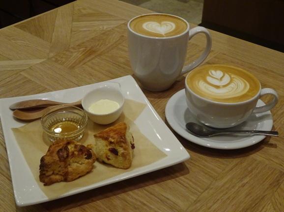 FEBRUARY CAFEさんでスコーンセット_e0230011_16214164.jpg