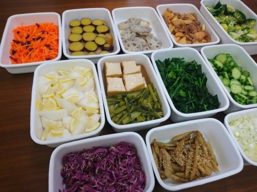 2018/12/9常備菜(干し大根と豚肉の炒めものなど) - お弁当と春の空