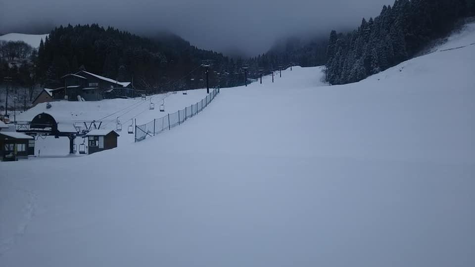 いよいよ来週15日、スキー場開きです!_f0101226_08292431.jpeg