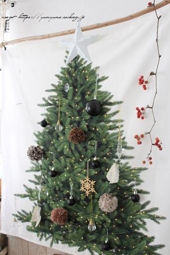 2018クリスマスは『手作りのウォールツリー』をリビングインテリアに♪_f0023333_20563407.jpg
