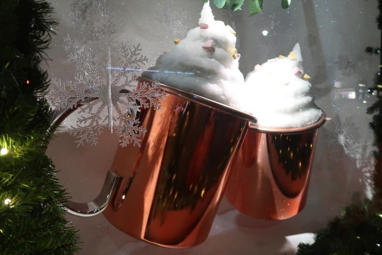 フォトナム&メイソンのクリスマスウィンドーディスプレイ_f0380234_19341001.jpg