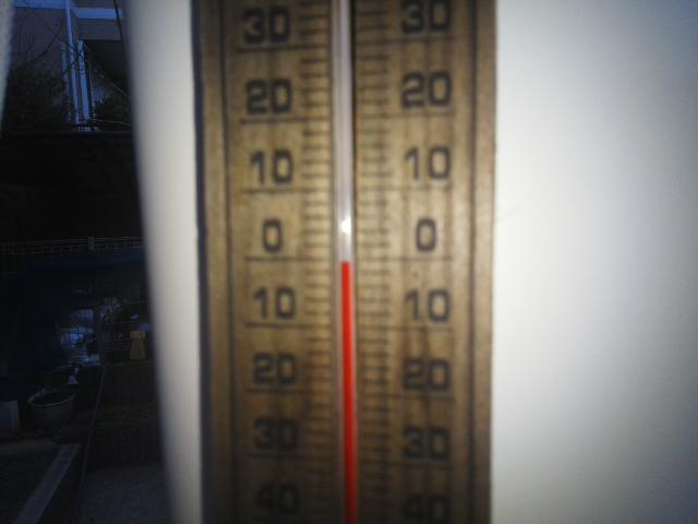 「おぉ~0℃やん」期待を裏切らない寒さ ⛄ 配達は雪と共に・・・(^^)/_f0061067_775516.jpg