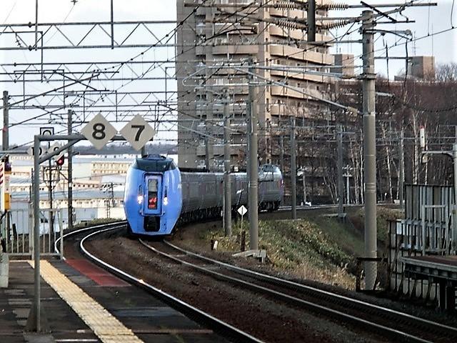 藤田八束の鉄道写真@今年出会った素敵な鉄道写真、貨物列車の写真を紹介・・・貨物列車、リゾート列車、四季島など_d0181492_09414443.jpg