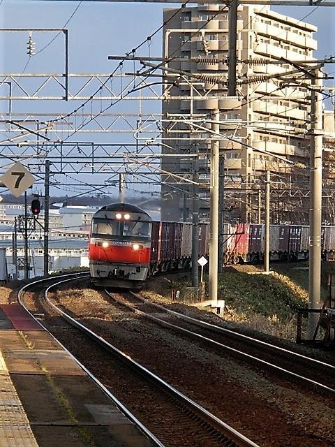 藤田八束の鉄道写真@今年出会った素敵な鉄道写真、貨物列車の写真を紹介・・・貨物列車、リゾート列車、四季島など_d0181492_17130782.jpg