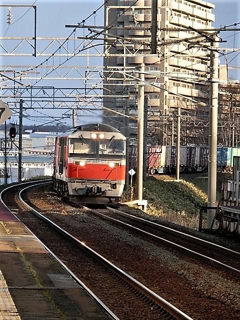 藤田八束の鉄道写真@日本の発展と鉄道の歴史を勉強しよう・・・北の最果て標津町にSLが登場、標津駅舎の再現_d0181492_17132446.jpg