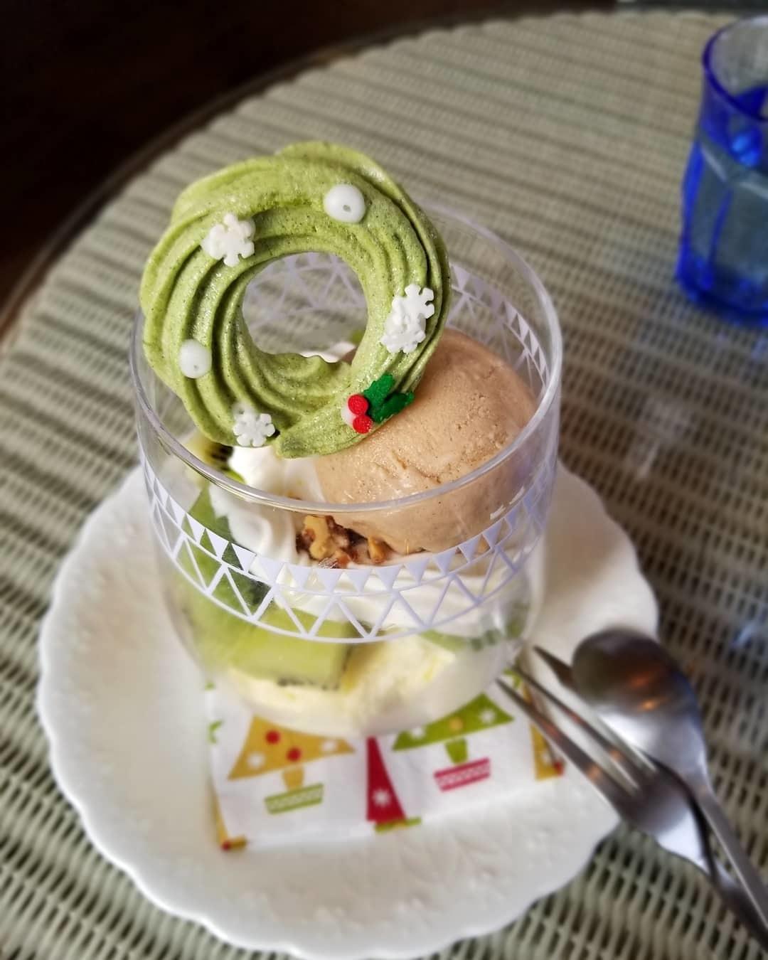 Cafe Patra/カフェ・パトラ * 12月・ドライフルーツとキウイのパフェ♪_f0236260_01161148.jpg