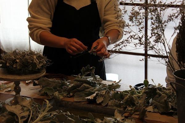 第16回 にのはこ時間 『シルバーリーフを集めた冬の white wreath 』joie.m_f0162302_21294909.jpg