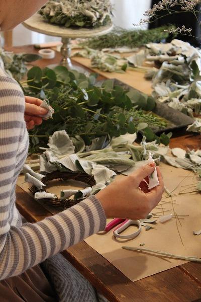 第16回 にのはこ時間 『シルバーリーフを集めた冬の white wreath 』joie.m_f0162302_21301108.jpg