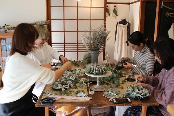 第16回 にのはこ時間 『シルバーリーフを集めた冬の white wreath 』joie.m_f0162302_21301425.jpg
