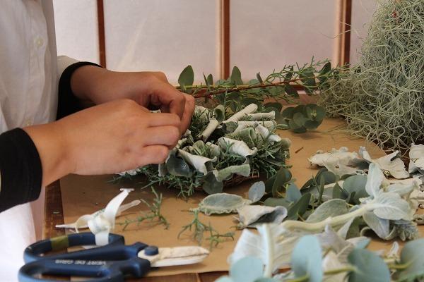 第16回 にのはこ時間 『シルバーリーフを集めた冬の white wreath 』joie.m_f0162302_21301672.jpg