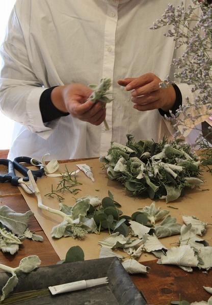 第16回 にのはこ時間 『シルバーリーフを集めた冬の white wreath 』joie.m_f0162302_21302520.jpg