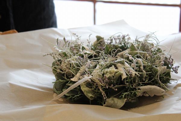 第16回 にのはこ時間 『シルバーリーフを集めた冬の white wreath 』joie.m_f0162302_21304013.jpg