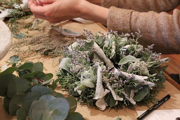 第16回 にのはこ時間 『シルバーリーフを集めた冬の white wreath 』joie.m_f0162302_21305386.jpg