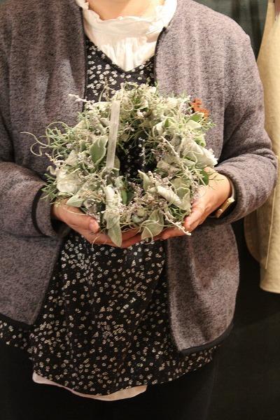 第16回 にのはこ時間 『シルバーリーフを集めた冬の white wreath 』joie.m_f0162302_21310134.jpg