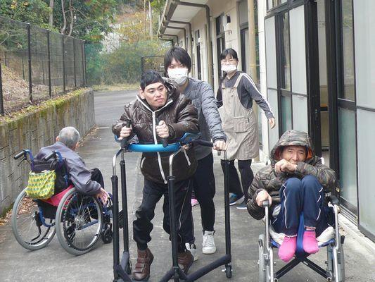 12/10 散歩_a0154110_09313421.jpg