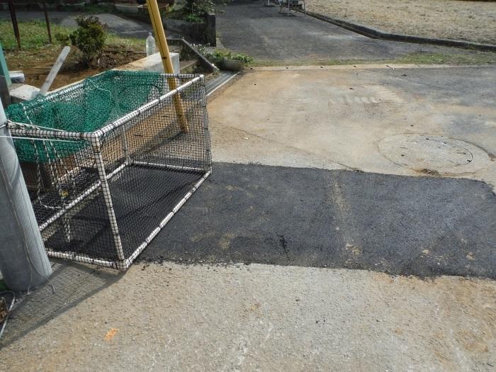 駐車場を少し広げたいんです。 ~ 解体から始めます。_d0165368_04451324.jpg