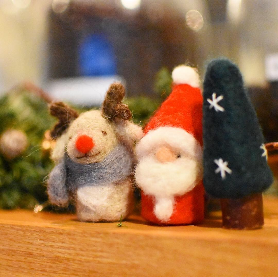 siroさんの羊毛フェルトで作るクリスマスオーナメントのワークショップ_a0325273_02194016.jpg