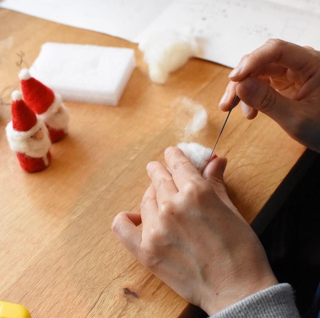 siroさんの羊毛フェルトで作るクリスマスオーナメントのワークショップ_a0325273_02264934.jpg