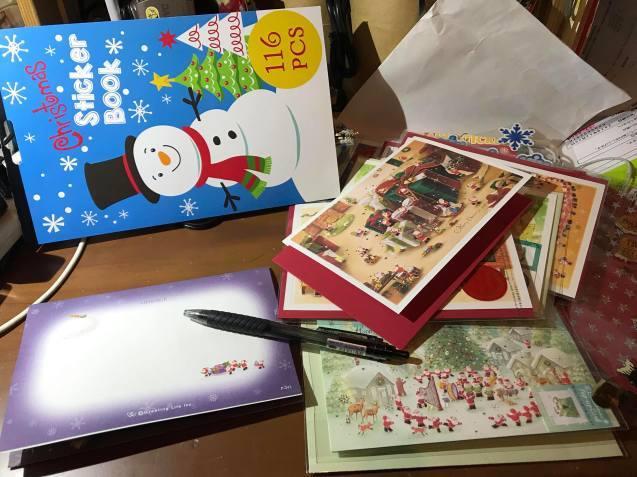 クリスマスカードを書く季節です。_e0188087_23490240.jpg