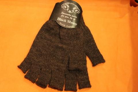 """重宝する「Black Sheep」 \""""Fingerless Glove\"""" ご紹介_f0191324_07162854.jpg"""