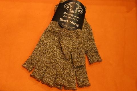 """重宝する「Black Sheep」 \""""Fingerless Glove\"""" ご紹介_f0191324_07163519.jpg"""